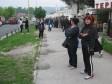 Tuzla, BiH - 05. maj 2017:Prodavači čiji su štandovi sa robom izgorjeli tokom protekle noći na Hametovoj pijaci u Tuzli pristižu i posmatraju zgrarište na kojem su mnogi od njih do jučer zarađivali prodajući novu i polovnu robu. Većini je to bio glavni izvor primanja  ( Alma Arnautovic  - Anadolu Agency )