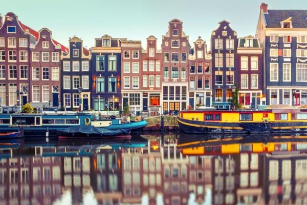61371127-amsterdam