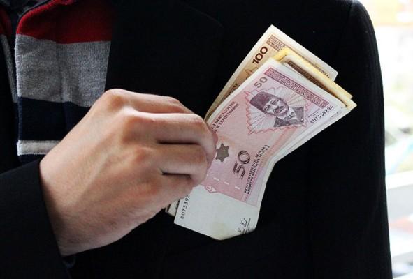 mito-korupcija-novac-1