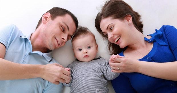 porodica-majka-dijete-otac-pexels