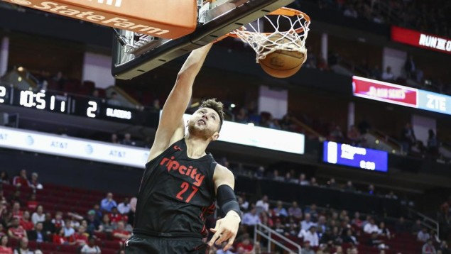 2018-04-06T010539Z_632687213_NOCID_RTRMADP_3_NBA-PORTLAND-TRAIL-BLAZERS-AT-HOUSTON-ROCKETS