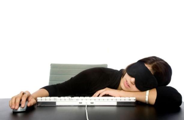 ljenost_na_poslu_spavanje_na_poslu