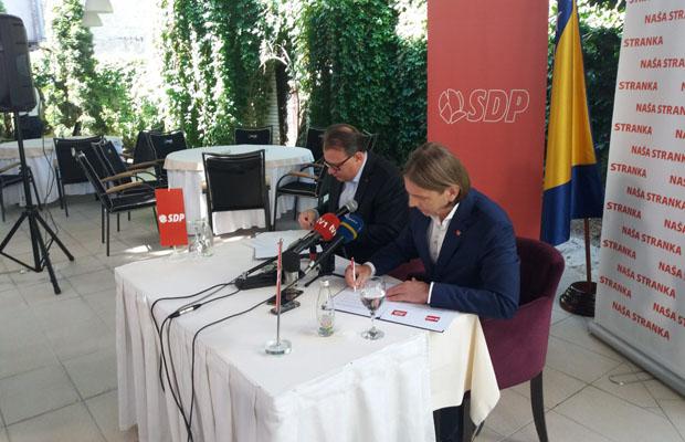 ČASNA PIONIRSKA! Nikšić i Kojović formalizovali postojanje BH bloka: 'Jedan drugom smo dali riječ'